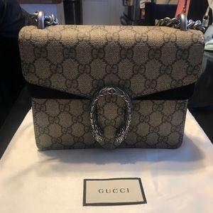 Mini Gucci Dionysus GG Supreme